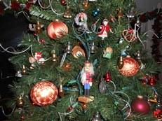 3 large Christmas balls